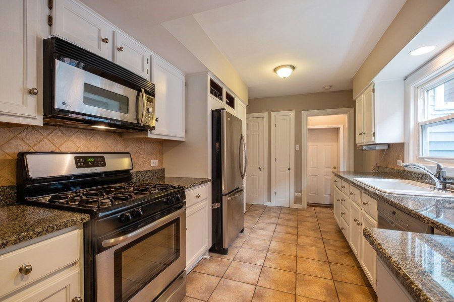 Real Estate Photography - 825 Marion Ave, Highland Park, IL, 60035 - Kitchen