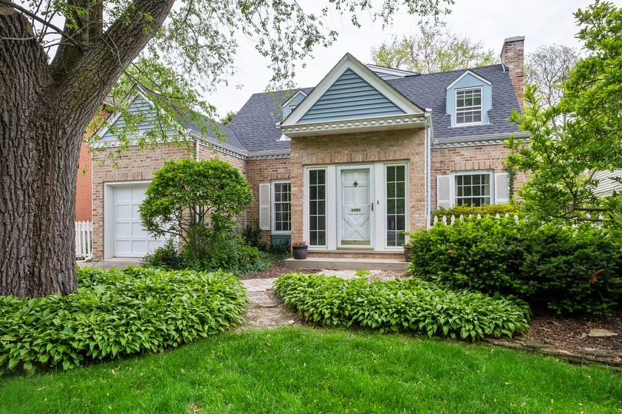 Real Estate Photography - 825 Marion Ave, Highland Park, IL, 60035 - Front View