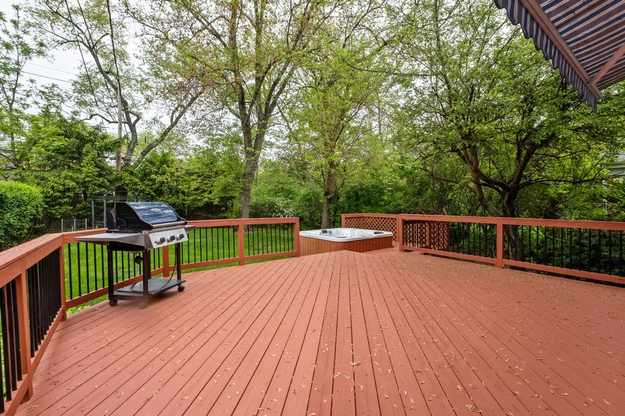 Real Estate Photography - 825 Marion Ave, Highland Park, IL, 60035 - Deck