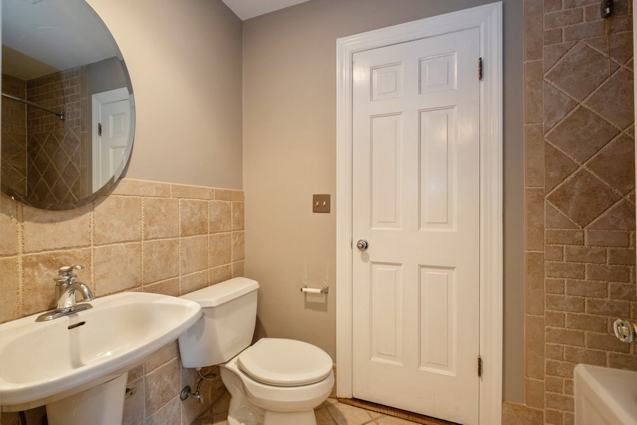 Real Estate Photography - 825 Marion Ave, Highland Park, IL, 60035 - 2nd Bathroom