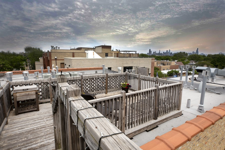 Real Estate Photography - 3201 N Ravenswood, #401, Chicago, IL, 60657 -