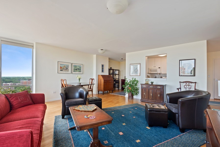 Real Estate Photography - 1640 Maple Avenue, 1207, Evanston, IL, 60201 - Living Room