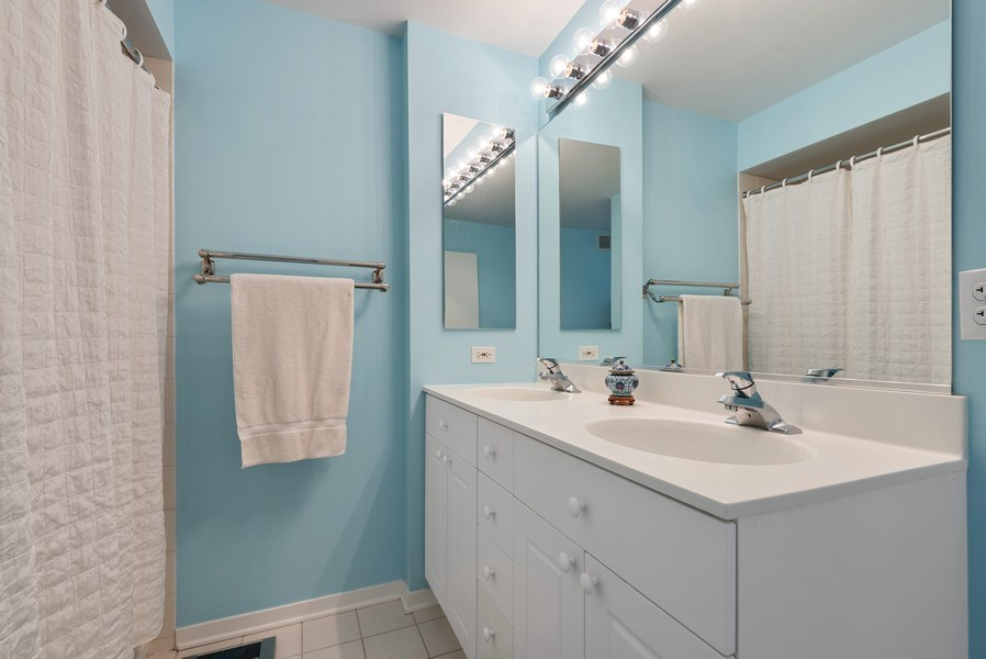 Real Estate Photography - 1640 Maple Avenue, 1207, Evanston, IL, 60201 - Master Bathroom