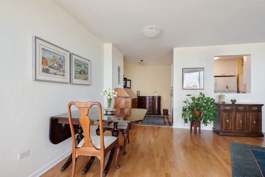 Real Estate Photography - 1640 Maple Avenue, 1207, Evanston, IL, 60201 - Dining Room