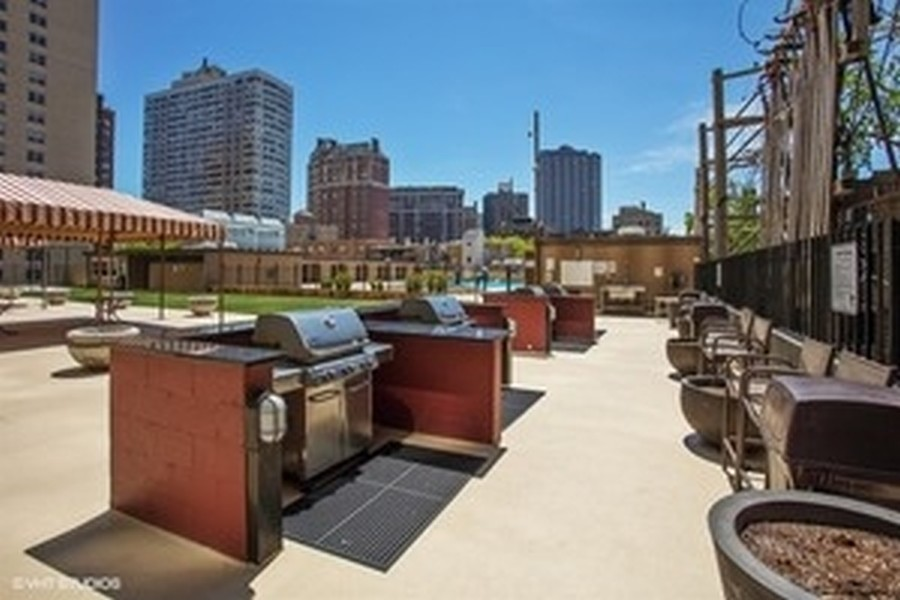 Real Estate Photography - 655 W Irving Park, 3216, Chicago, IL, 60613 -