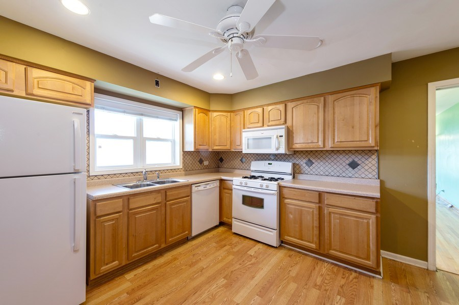 Real Estate Photography - 3800 Elmwood, Berywn, IL, 60126 - Kitchen