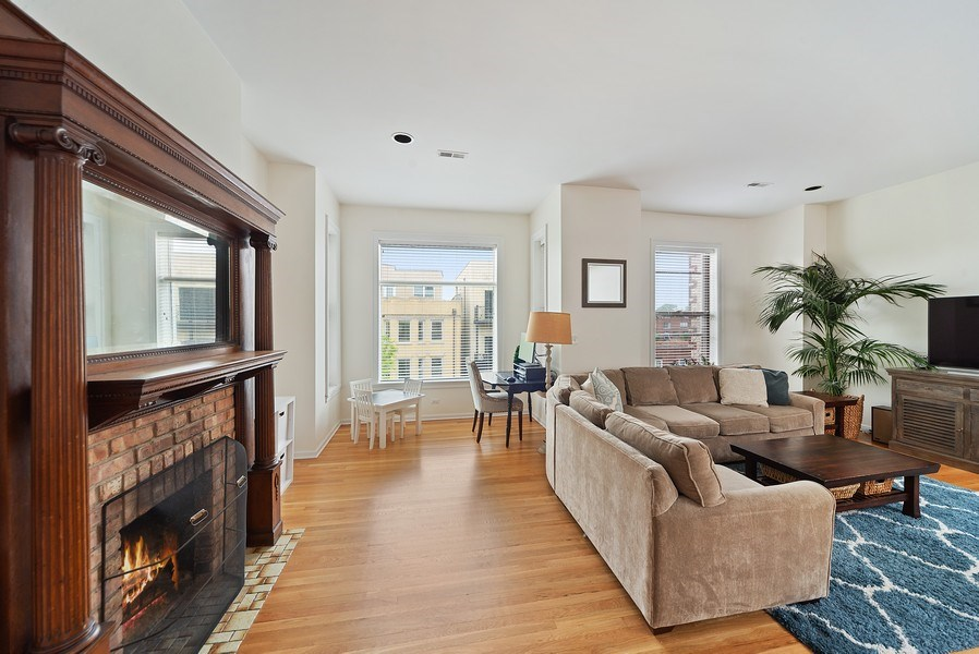 Real Estate Photography - 3753 N. Wilton #4, Chicago, IL, 60613 - Living Room