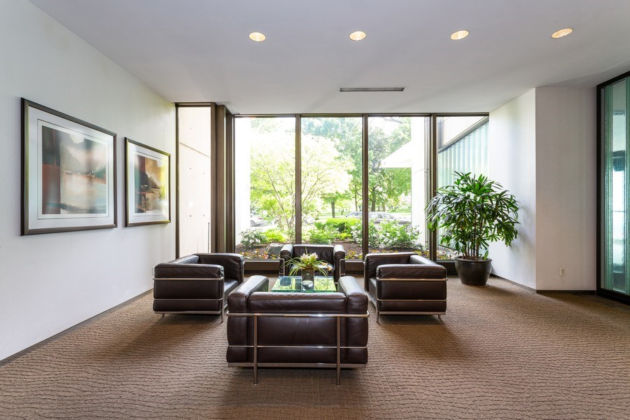 Real Estate Photography - 2800 Lake Shore Drive #706, Chicago, IL, 60657 - Lobby
