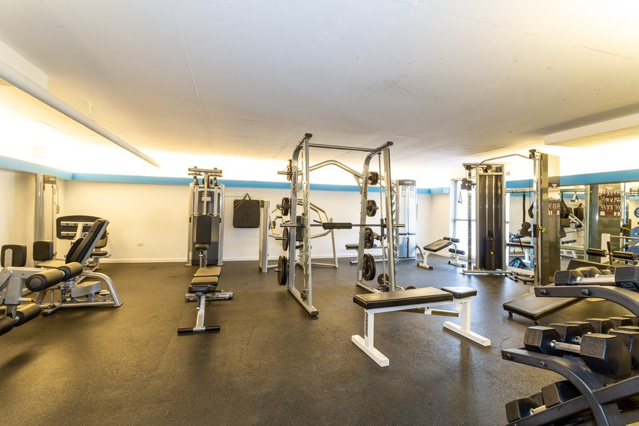 Real Estate Photography - 2800 Lake Shore Drive #706, Chicago, IL, 60657 - Gym