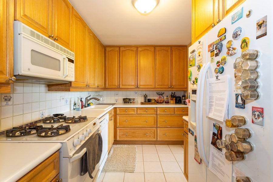 Real Estate Photography - 2800 Lake Shore Drive #706, Chicago, IL, 60657 - Kitchen