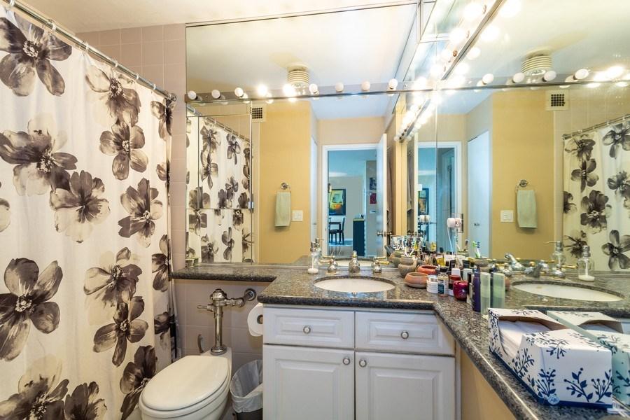 Real Estate Photography - 2800 Lake Shore Drive #706, Chicago, IL, 60657 - Bathroom