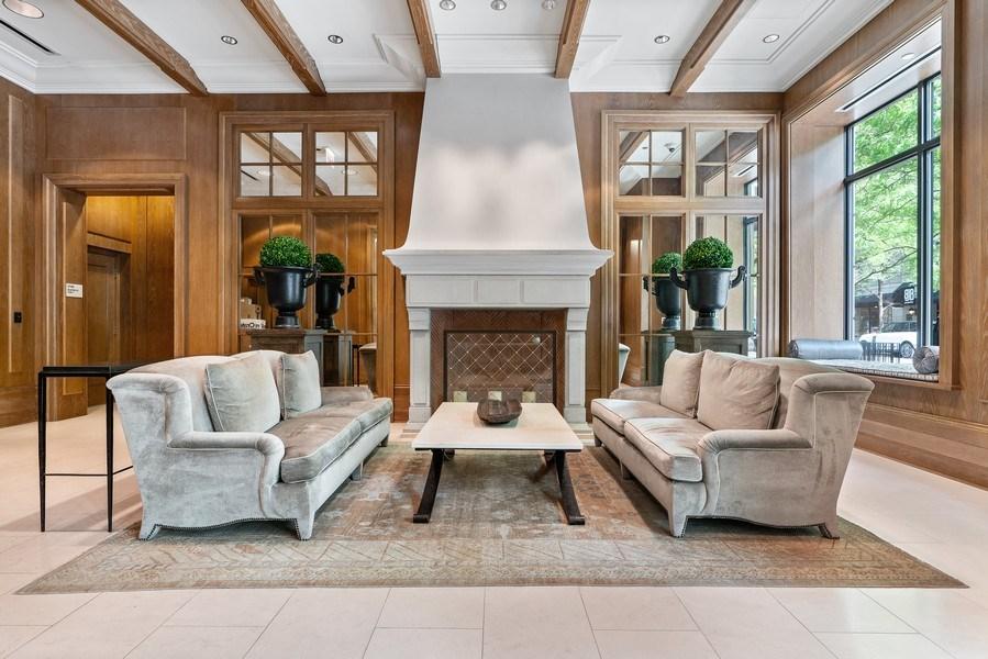 Real Estate Photography - 10 E Deleware Pl, 15A, Chicago, IL, 60611 - Lobby