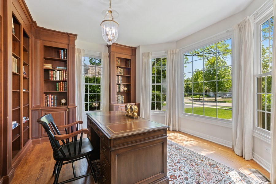 Real Estate Photography - 2888 Independence Ave, Glenview, IL, 60026 - Library