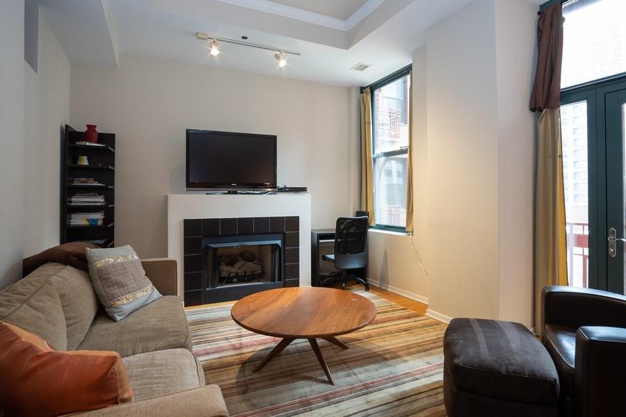 Real Estate Photography - 208 W Washington, Unit 808, Chicago, IL, 60606 - Living Room
