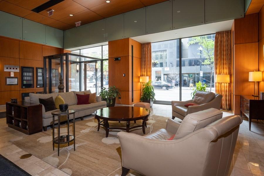 Real Estate Photography - 208 W Washington, Unit 808, Chicago, IL, 60606 - Lobby