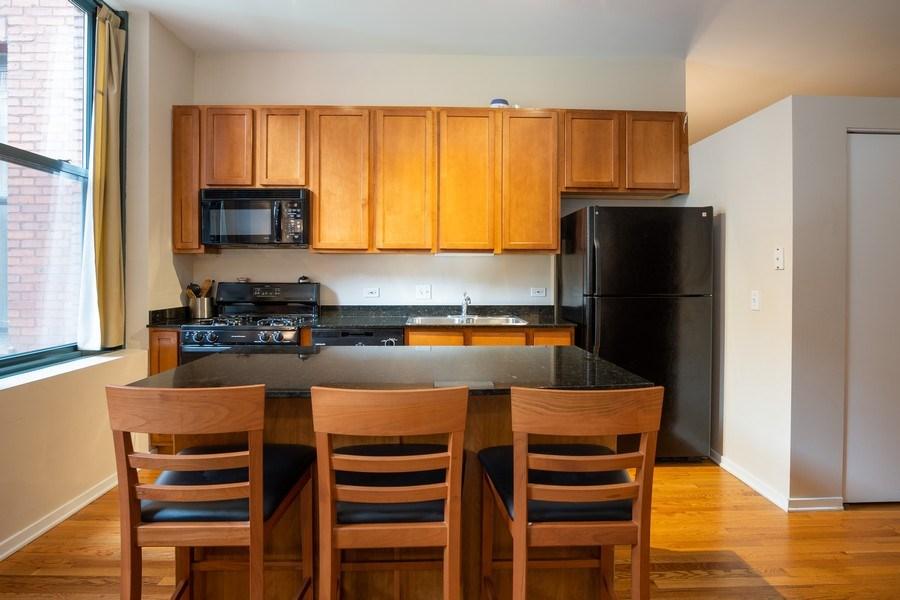 Real Estate Photography - 208 W Washington, Unit 808, Chicago, IL, 60606 - Kitchen
