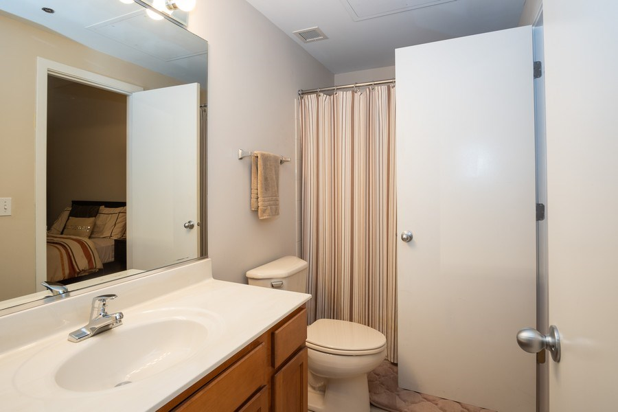 Real Estate Photography - 208 W Washington, Unit 808, Chicago, IL, 60606 - Bathroom