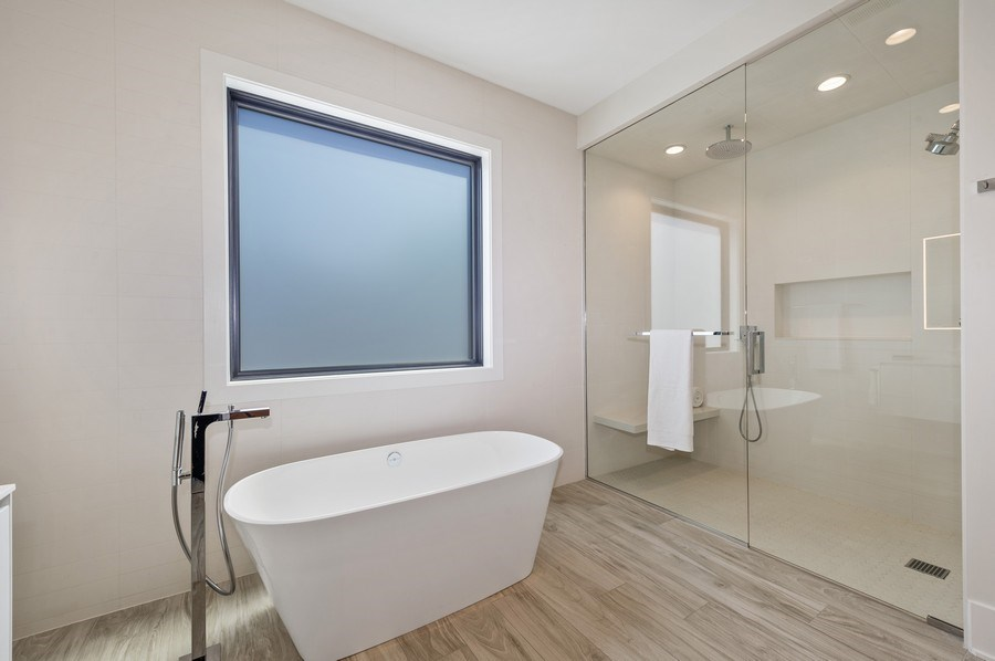 Real Estate Photography - 3647 Leavitt, Chicago, IL, 60618 - Master Bathroom