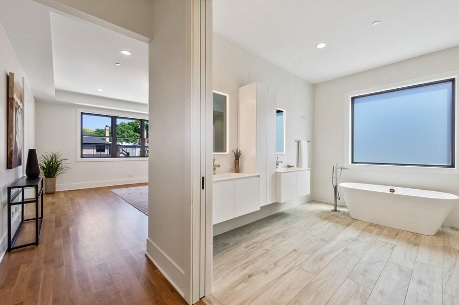 Real Estate Photography - 3647 Leavitt, Chicago, IL, 60618 - Master Bathroom