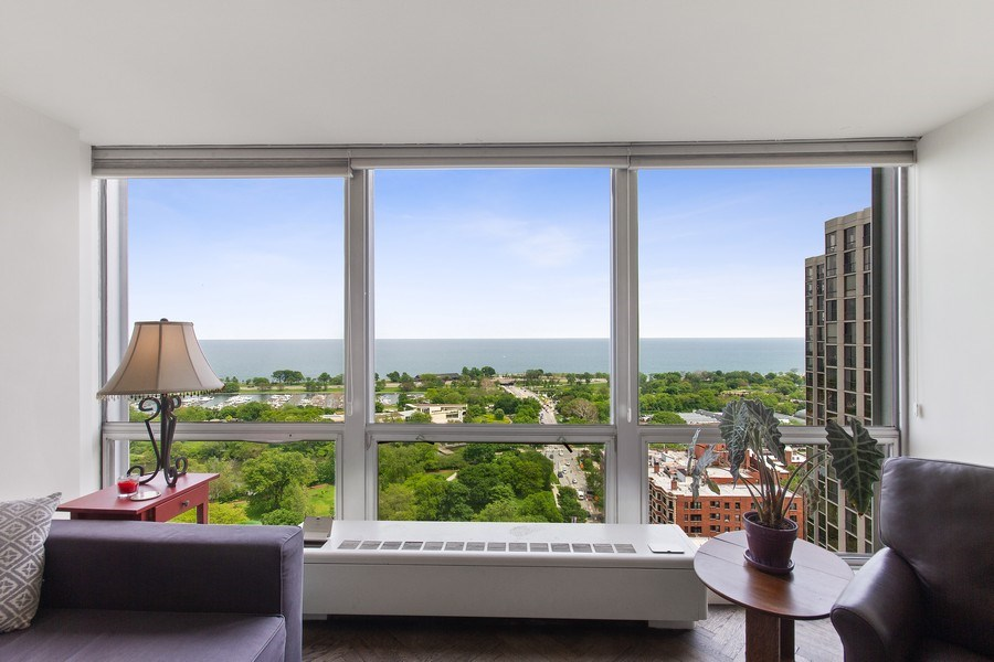 Real Estate Photography - 2400 N Lakeview, Unit 2602, Chicago, IL, 60614 - Living Room