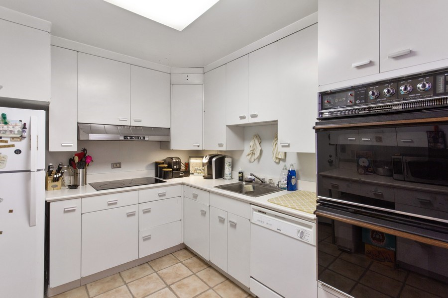 Real Estate Photography - 2400 N Lakeview, Unit 2602, Chicago, IL, 60614 - Location 1