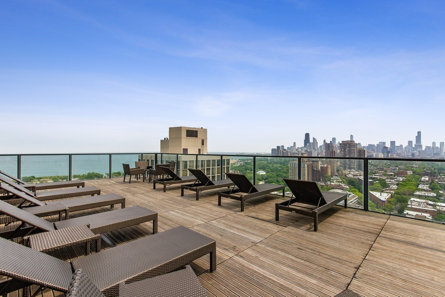 Real Estate Photography - 2400 N Lakeview, Unit 2602, Chicago, IL, 60614 - Rooftop