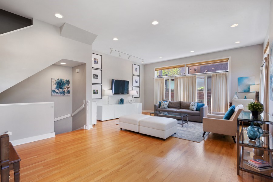 Real Estate Photography - 2515 N Seminary, A, Chicago, IL, 60614 - Great Room View #2