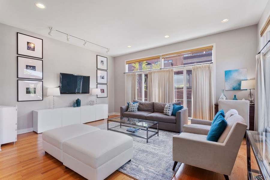 Real Estate Photography - 2515 N Seminary, A, Chicago, IL, 60614 - Living Room View #2
