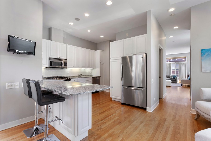 Real Estate Photography - 2515 N Seminary, A, Chicago, IL, 60614 - Kitchen / Main Level View