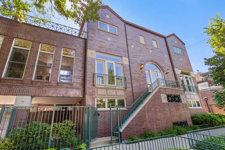 Real Estate Photography - 2515 N Seminary, A, Chicago, IL, 60614 - Front View