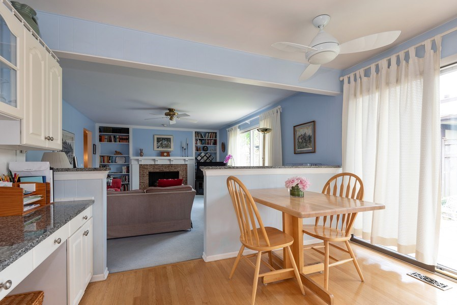 Real Estate Photography - 1440 Estate Ln, Glenview, IL, 60025 - Breakfast Area