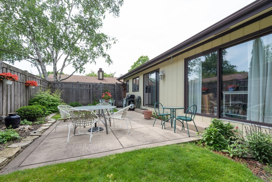 Real Estate Photography - 1440 Estate Ln, Glenview, IL, 60025 - Patio