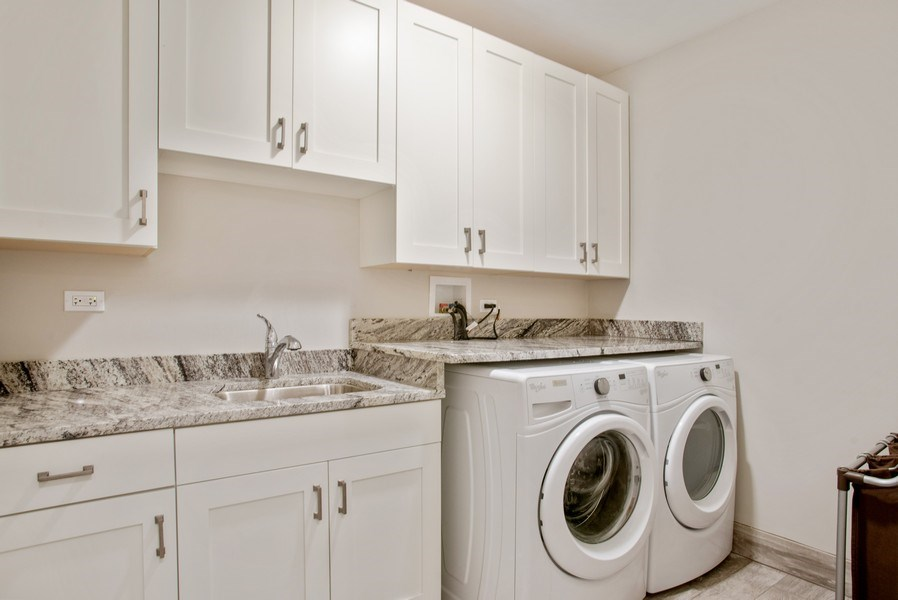 Real Estate Photography - 2250 W Roscoe, 1, Chicago, IL, 60618 - Laundry Room