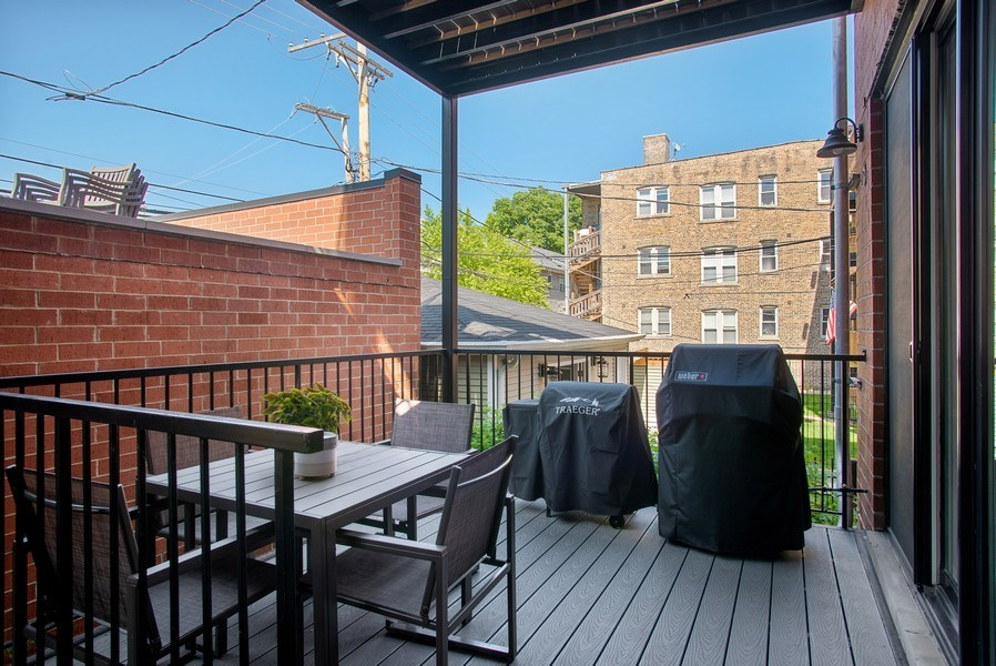 Real Estate Photography - 2250 W Roscoe, 1, Chicago, IL, 60618 - Private Rear Deck