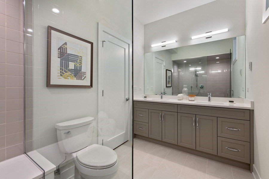 Real Estate Photography - 4432 N Western Ave, 2, Chicago, IL, 60625 - Master Bathroom