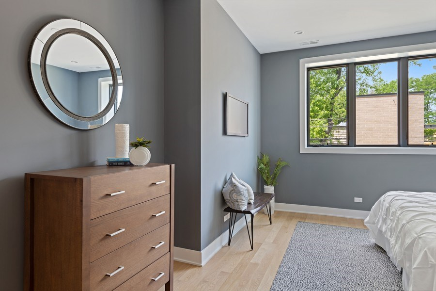 Real Estate Photography - 4432 N Western Ave, 2, Chicago, IL, 60625 - Master Bedroom