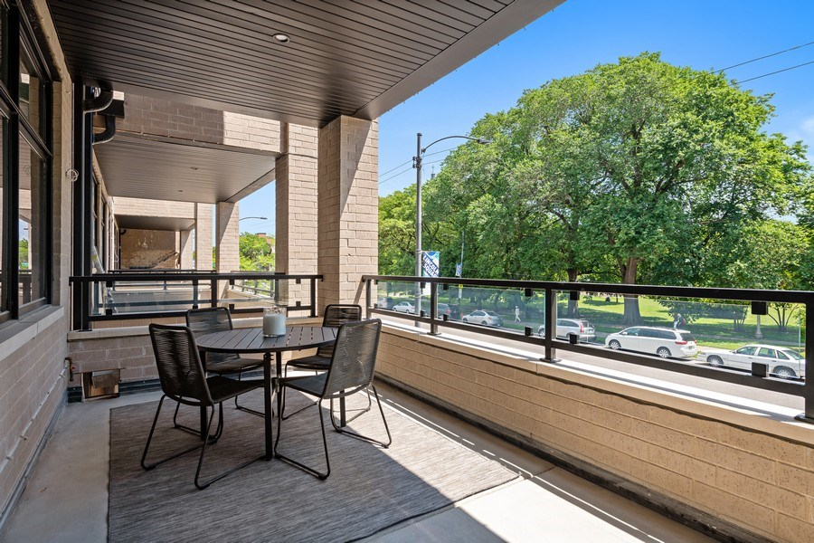 Real Estate Photography - 4432 N Western Ave, 2, Chicago, IL, 60625 - Balcony