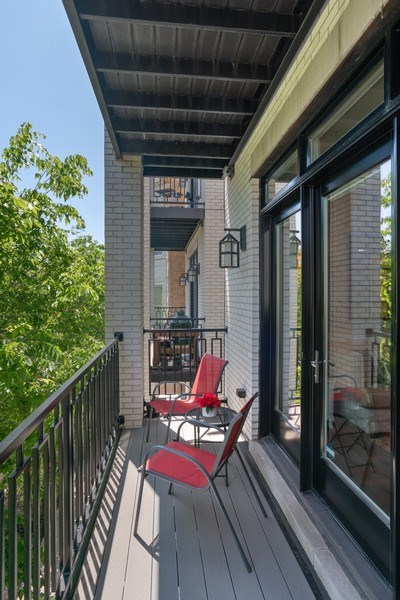 Real Estate Photography - 3816 N Ashland Ave, Unit 2N, Chicago, IL, 60613 - Terrace