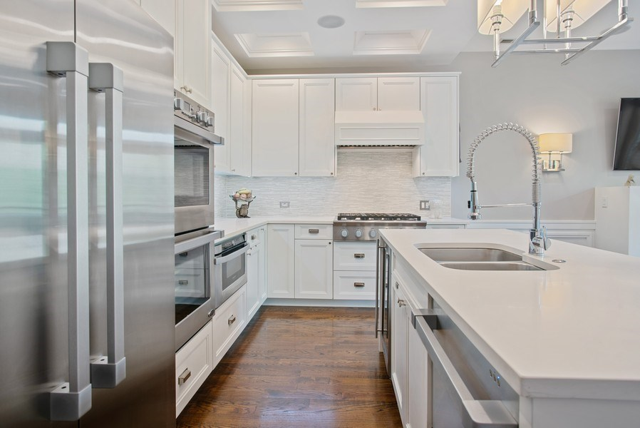 Real Estate Photography - 3816 N Ashland Ave, Unit 2N, Chicago, IL, 60613 - Kitchen