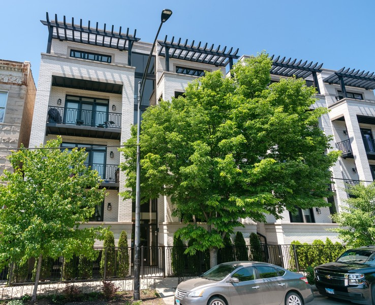 Real Estate Photography - 3816 N Ashland Ave, Unit 2N, Chicago, IL, 60613 - Front View