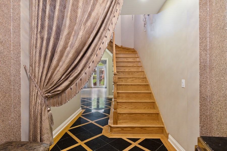 Real Estate Photography - 1890 Admiral Court, Glenview, IL, 60026 - Foyer