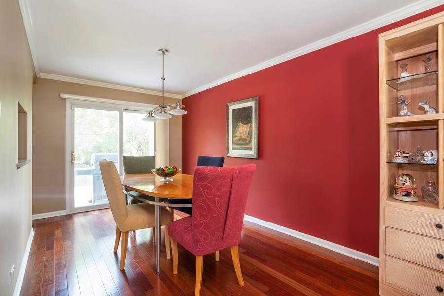 Real Estate Photography - 413 Greentree, Libertyville, IL, 60048 - Dining Room