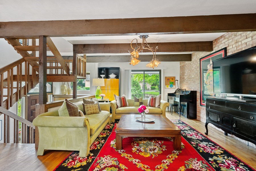 Real Estate Photography - 560 W Russell St, Barrington, IL, 60010 - Living Room