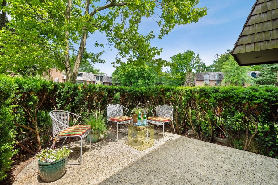 Real Estate Photography - 560 W Russell St, Barrington, IL, 60010 - Side Patio
