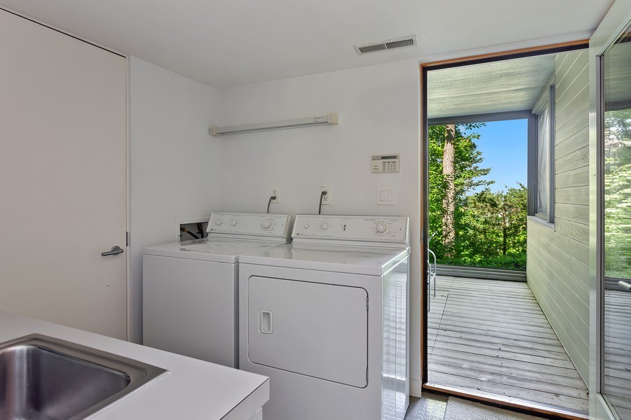 Real Estate Photography - 9475 Lakeview Dr, Bridgman, MI, 49106 - Laundry Room