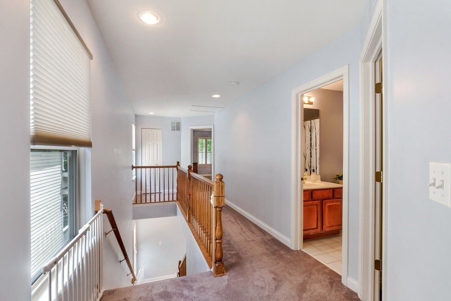 Real Estate Photography - 2548 Violet St, Glenview, IL, 60026 - Hallway