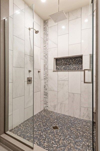 Real Estate Photography - 4008 N Clarendon, Chicago, IL, 60613 - Master Bathroom