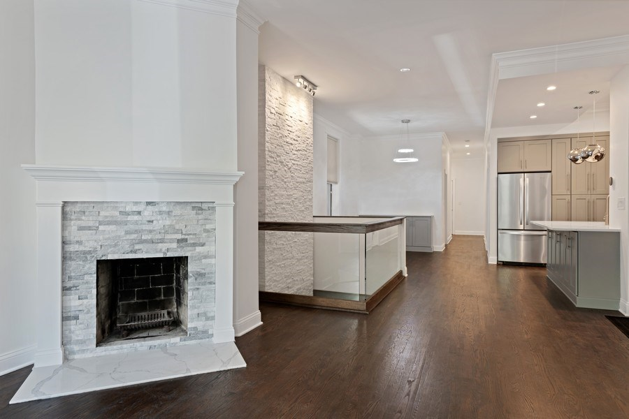 Real Estate Photography - 4008 N Clarendon, Chicago, IL, 60613 - Living Room / Dining Room