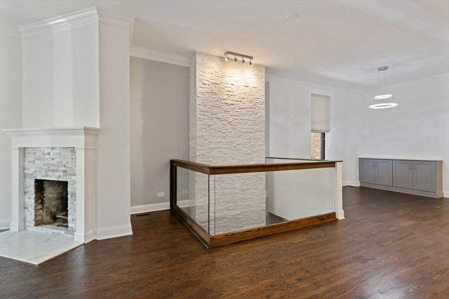 Real Estate Photography - 4008 N Clarendon, Chicago, IL, 60613 - Living Room/Dining Room