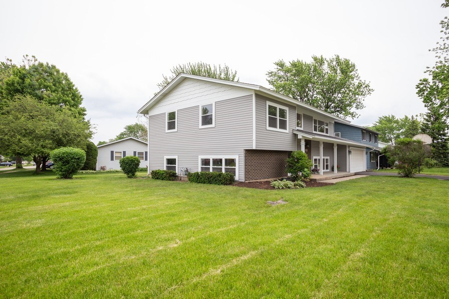Real Estate Photography - 1133 Lancaster, Elk Grove Village, IL, 60007 - Rear View
